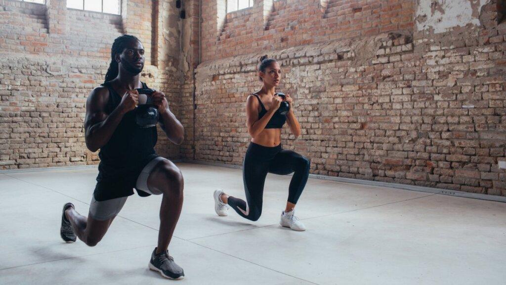 hack squat substitute exercise - lunges
