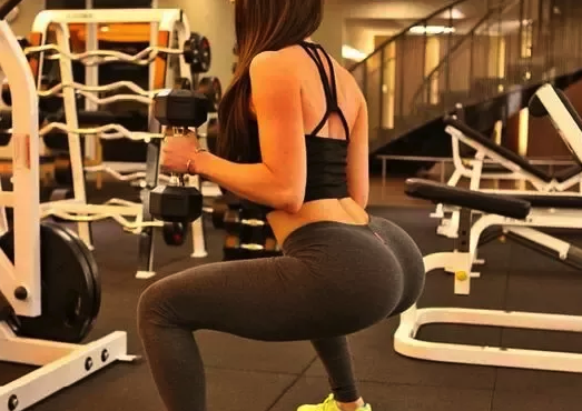 squats to get rid of mom butt