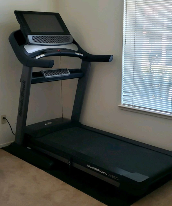Best Commercial Professional Treadmill – NordicTrack Commercial 2950