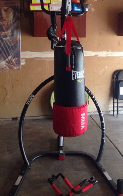 MMA Omnistrike Stand by Everlast - Best Punching Bag Stands with Pull Up Bar