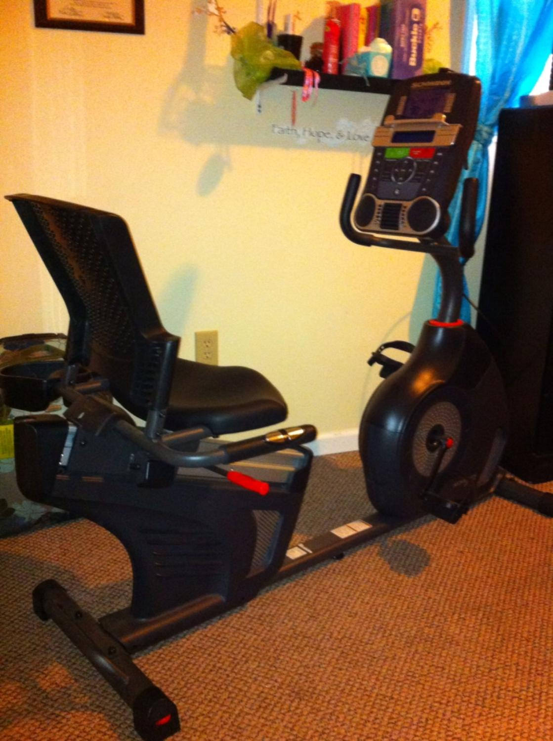 Schwinn 270 Recumbent Bike -Best Exercise Bikes for Knee Replacement Rehab