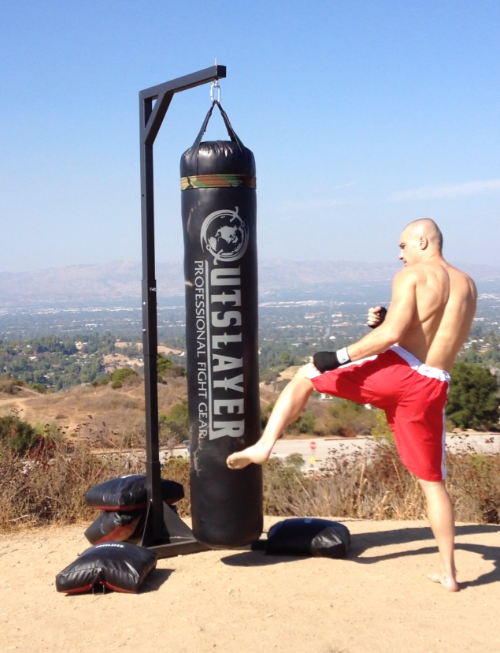 The Best Hanging Bag - Outslayer 100-lb Heavy Bag - The Best Home Gym Setup For Weight Lifters
