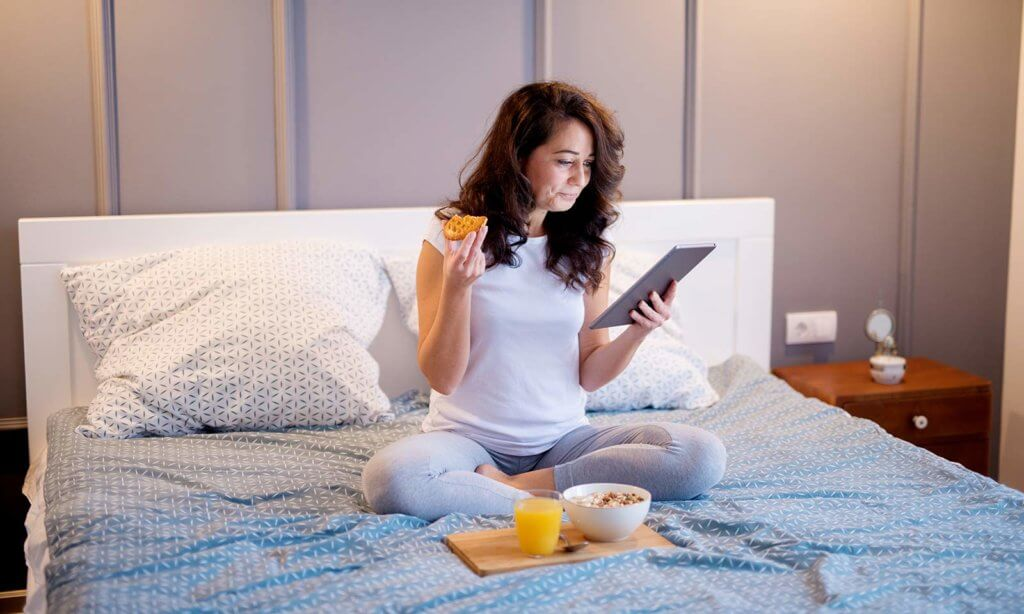eating before bed can reduce weight loss during sleep