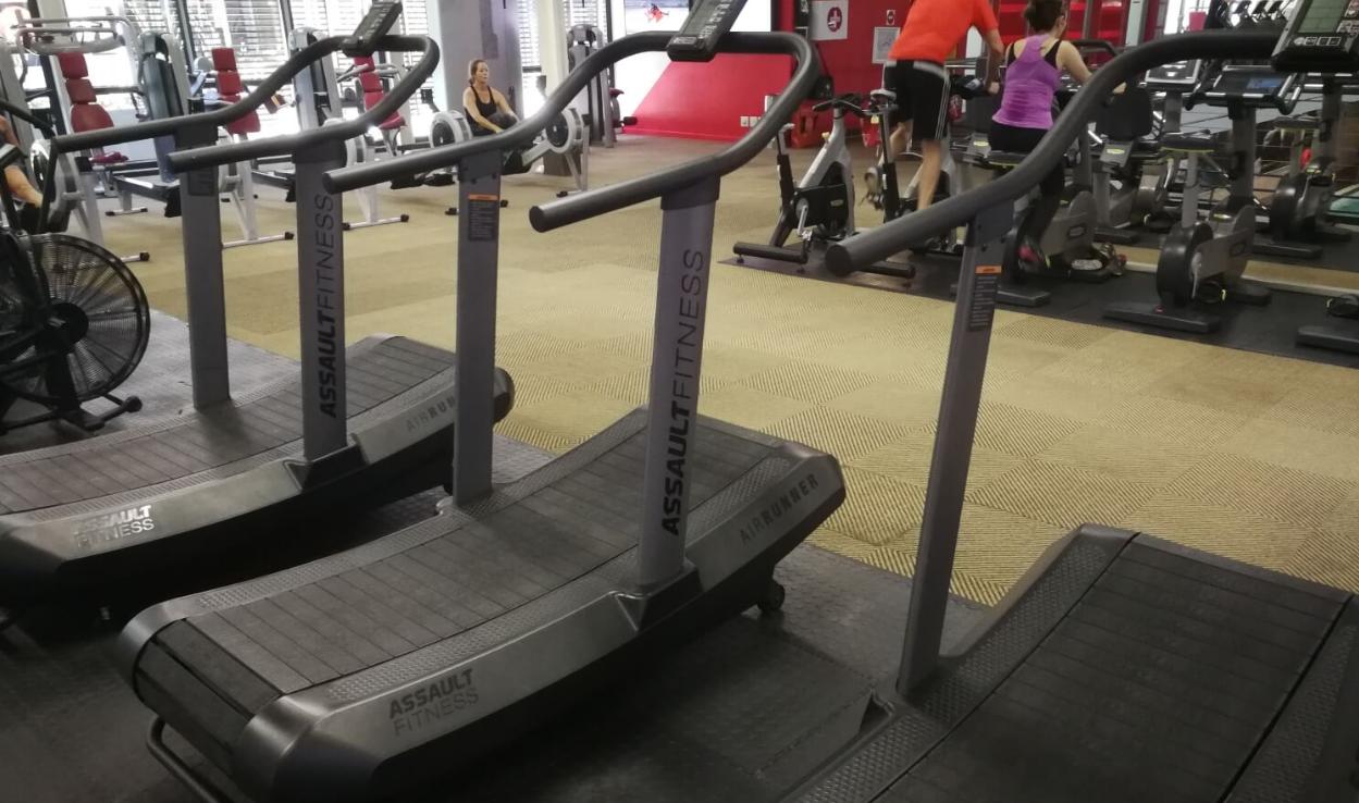 our choice for the best slat belt self-propelled treadmill the assault airrunner slat belt self-propelled treadmill