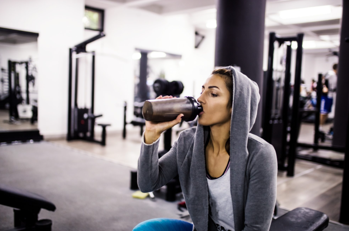 Can You Drink a Protein Shake While Working Out
