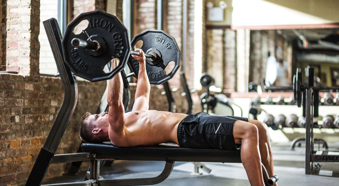 bench press is an alternative exercise to the dumbbell floor press