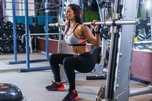 how to do the smith machine squat
