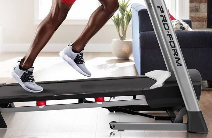 The ProForm SMART Performance 600i Treadmill comes with a wide variety of features that include a 10 inch HD Touchscreen