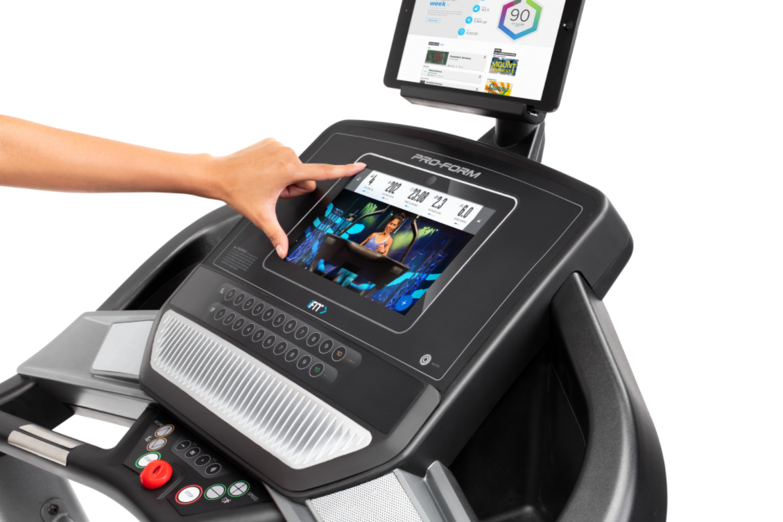 The ProForm SMART Performance 600i has an impressive screen that allows for a variety of workout programs