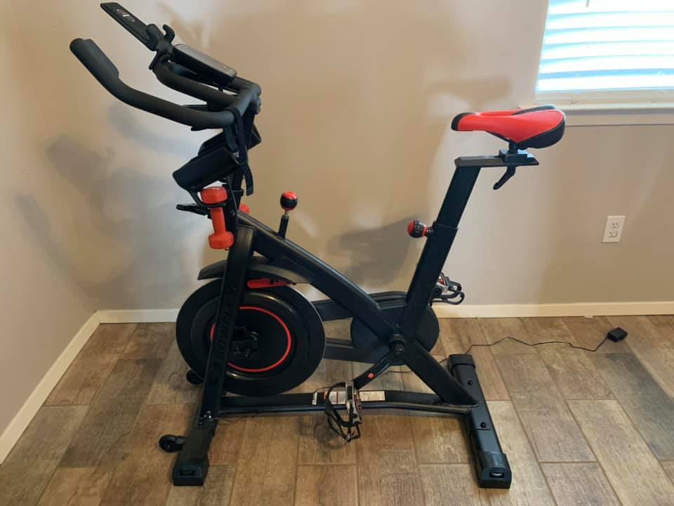 Overview of The Bowflex C6, its features and specs and how it compares to the Peloton