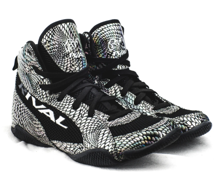 The Rival RSX-Guerrero Shiny Lo-Top Boxing Boots are a great option when looking to buy boxing shoes for women