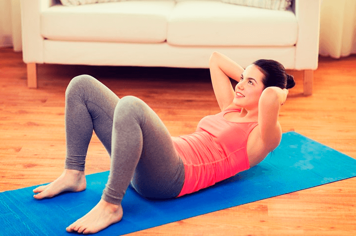 A Mistake People Make when Doing Double Crunches Is Popping Their Hips