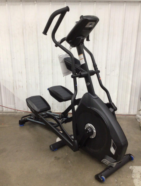 Despite its compact design the Nautilus E618 defies elliptical weight limits to support 300 pounds