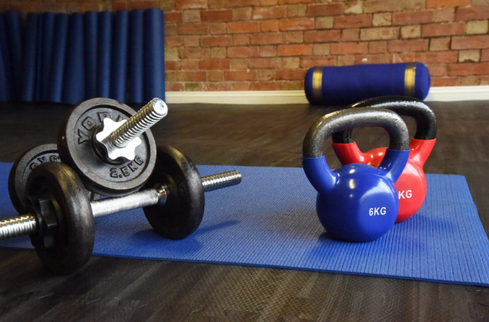 Kettlebells or dumbbells which one is good for strength